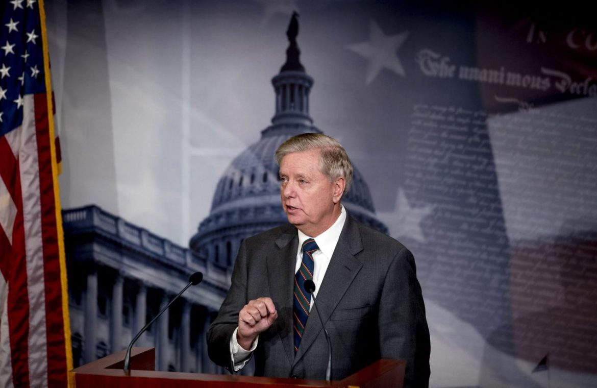 Handful of GOP senators threaten to delay Senate coronavirus bill over unemployment payments