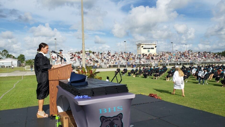 Hundreds to quarantine after COVID 19 case linked to Florida high school graduation ceremony