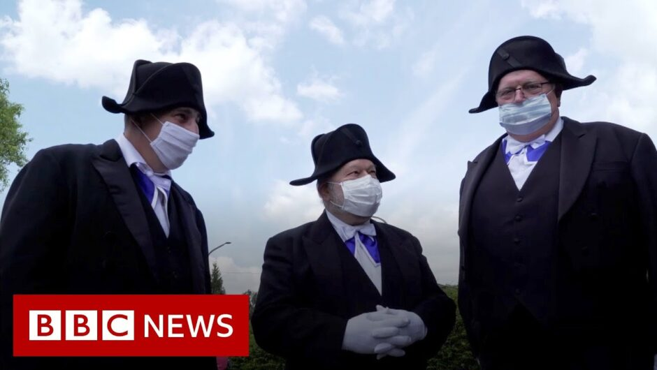 Coronavirus: France's ancient burial brotherhood defies Covid 19   BBC News