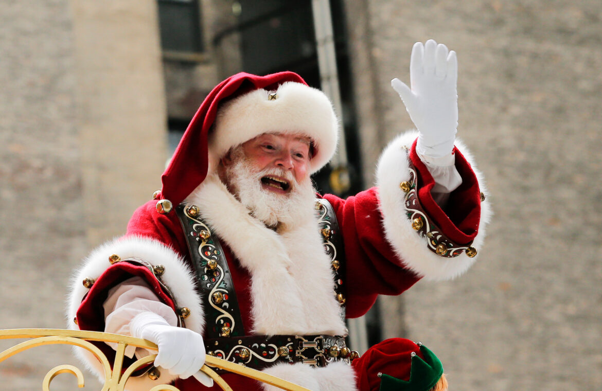 Plan to give Santa Claus performers early COVID 19 vaccine scrapped