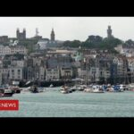 Coronavirus: Guernsey first part of British Isles to remove most lockdown restrictions   BBC News